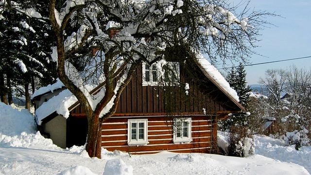 Jak zabezpečit chatu nebo chalupu před příchodem zimy?